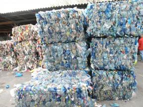 Spot: Reutilizar o Reciclar